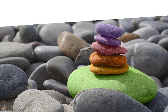 stones-1372677_640-schraege